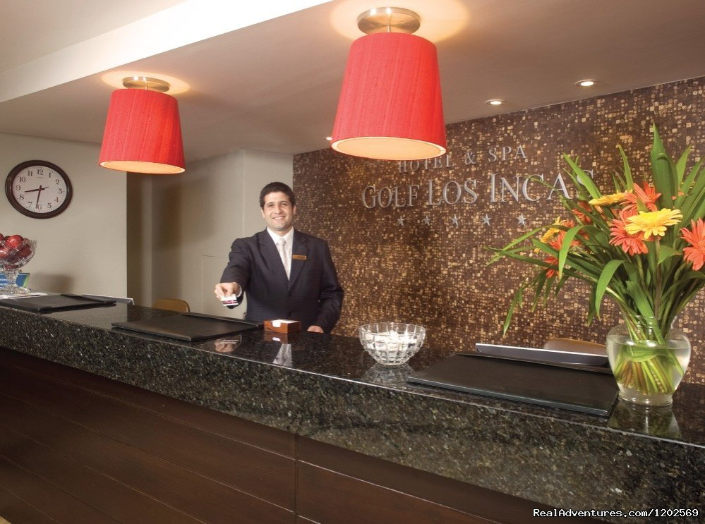 Hotel & Spa Golf Los Incas, is located in a peaceful and exclusive zone just short drive away from the most important malls, financial and entertainment places and excellent connection to main Streets. All Suites have a