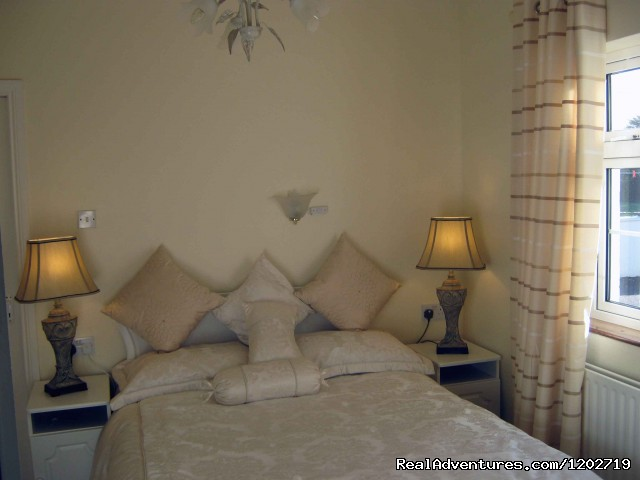 Double bedroom - Dirreen House