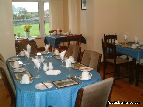 dining area - Cillcoman Lodge always a warm welcome assured