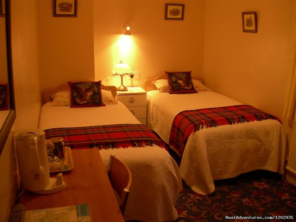 Twin Room | Image #2/7 | Dalys B&B - A very warm welcome awaits at Dalys B