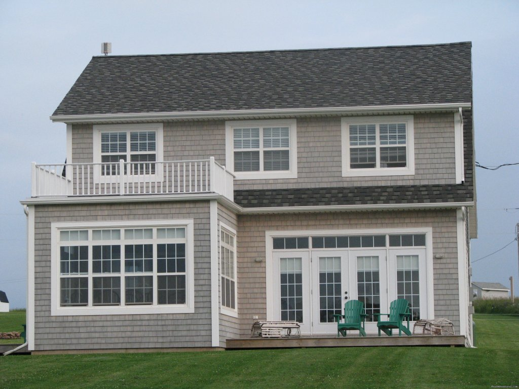 Beautiful 2 story 3 bedroom beach house located on Prince Edward Islands north shore offers you relaxation, ocean swimming, multiple golf course options and tranquility to ensure that your vacation is a true success.