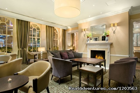 Woburn Place Bar & Lounge - Hilton London Euston