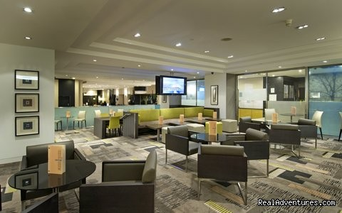 AmPm Lounge Bar - Hilton London Kensington