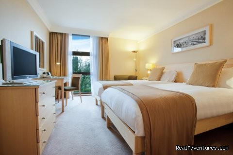 Twin Hilton guestroom - Hilton London Kensington