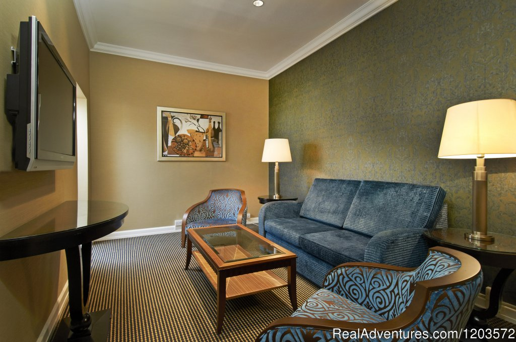 Hilton Queen Suite - living area | Image #11/19 | Hilton London Paddington