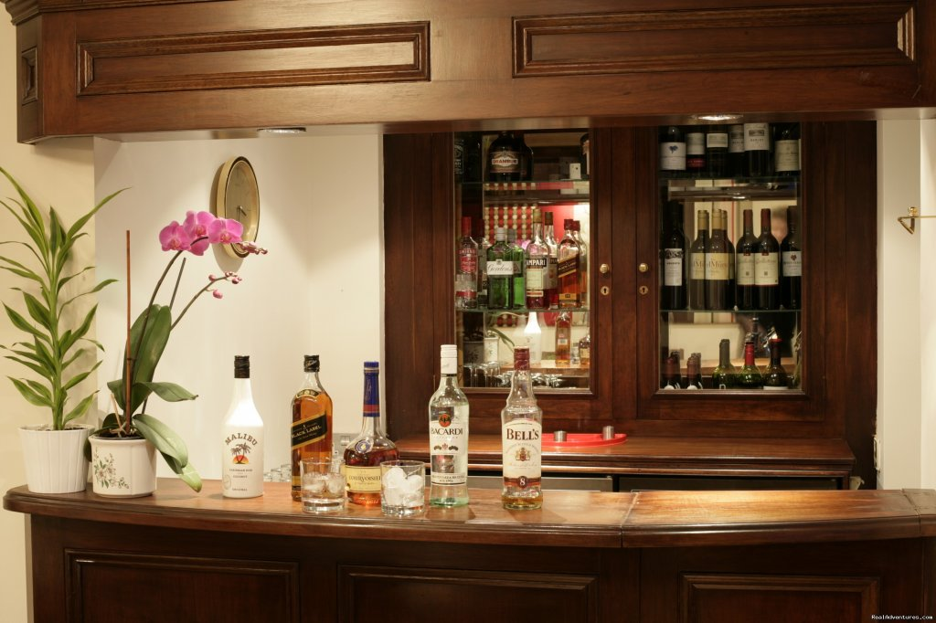 Stephanie's bar | Image #5/10 | London Lodge Town House Hotel