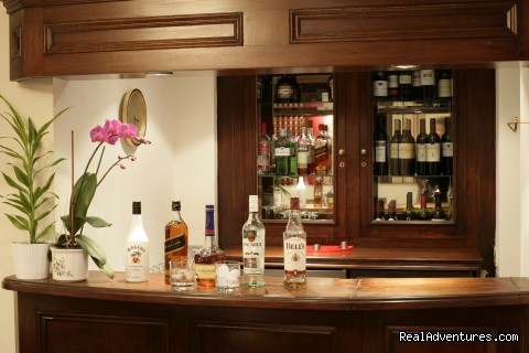 Stephanie's bar - London Lodge Town House Hotel