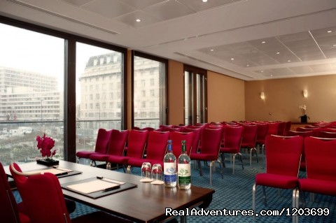 - Park Plaza County Hall London