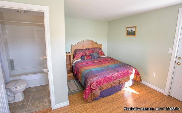 Cottage Couture Bedroom 2 - Canada's Best Value Inn & Suites