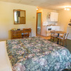 Canada's Best Value Inn & Suites Photo