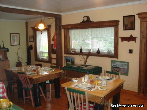 Cafe - Ozendyke B&B . . . the place to be