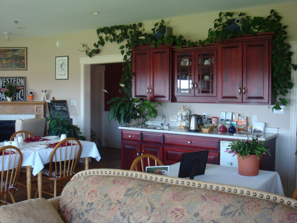 Dining Room | Image #3/6 | Relax at Firedance Country Inn Bed & Breakfast