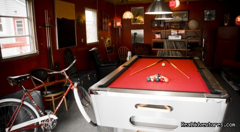 Sweet Garage - HI Charlottetown Backpackers Inn