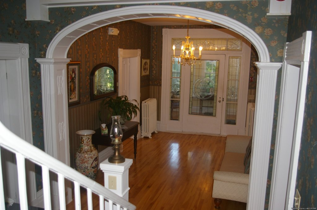 Main foyer, elegant and bright... | Image #2/9 | The Dawson House... Truly intriguing