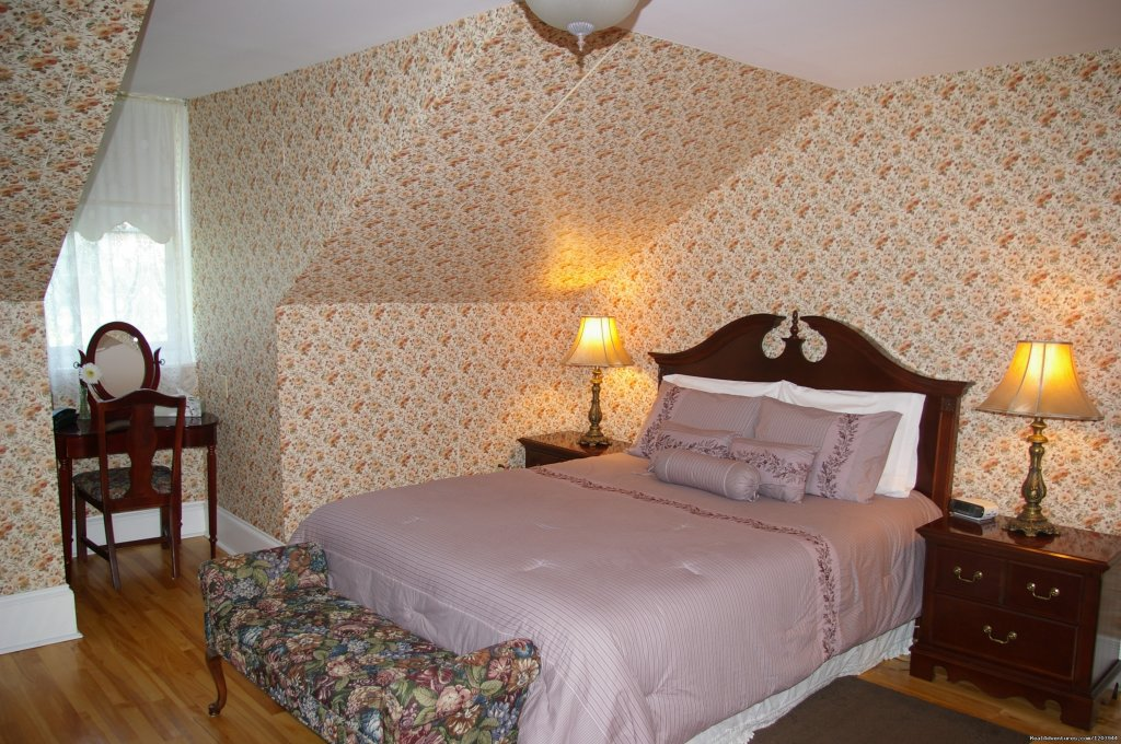 Premier guestroom | Image #5/9 | The Dawson House... Truly intriguing