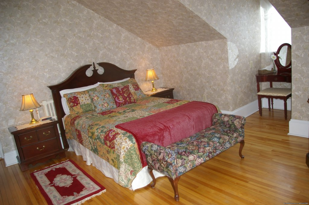Charlotte Guestroom | Image #7/9 | The Dawson House... Truly intriguing