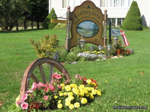 Century Farm Waterfront Cottages: Welcome Sign