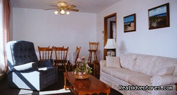 3 Bedroom Cottage - Livingroom (#16 of 25) - Warren's Beachfront Cottages