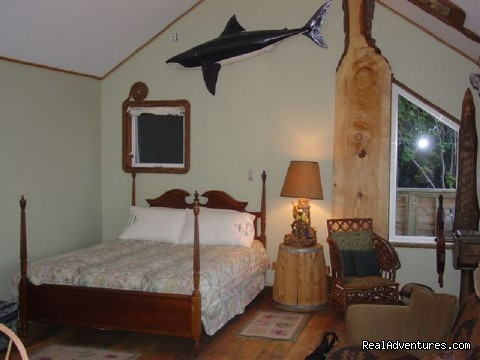 The Ships Wheel Suite - SeaWatch Bed & Breakfast