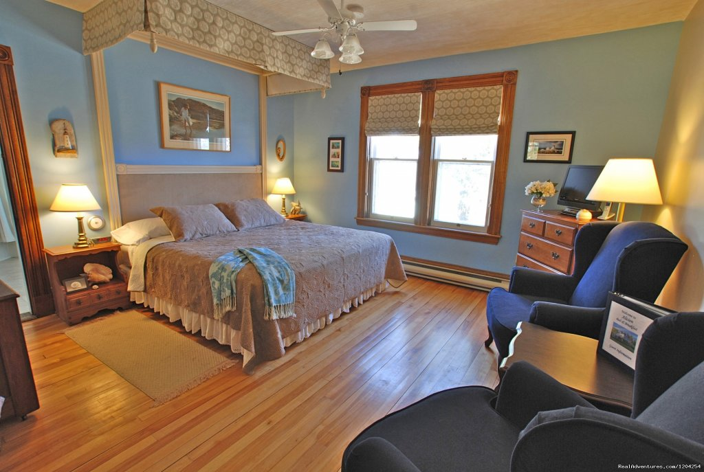 Periwinkle Room | Image #7/18 | Alicion Bed & Breakfast