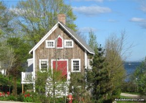 Boatbuilder's Cottage - in Historic Lunenburg Lunenburg, Nova Scotia Vacation Rentals
