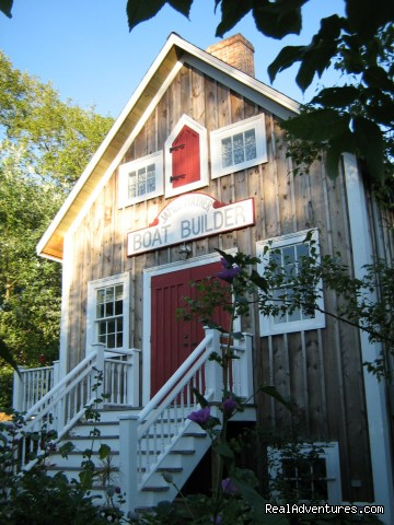 Boatbuilder's Cottage, Lunenburg, Nova Scotia - Boatbuilder's Cottage - in Historic Lunenburg
