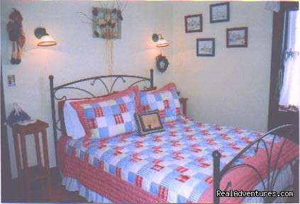1826 Maplebird House, Room 2 - 1826 Maplebird House Bed & Breakfast