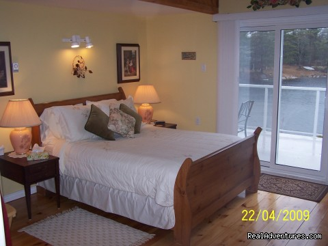 Lake -View Room - Lakefront Peace & Serenity at Tranquil Times B&B