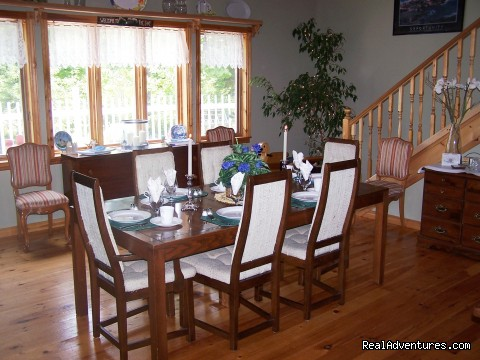 Dining Room - Lakefront Peace & Serenity at Tranquil Times B&B