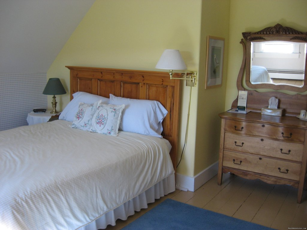 East bedroom | Image #4/6 | Croft House Bed and Breakfast