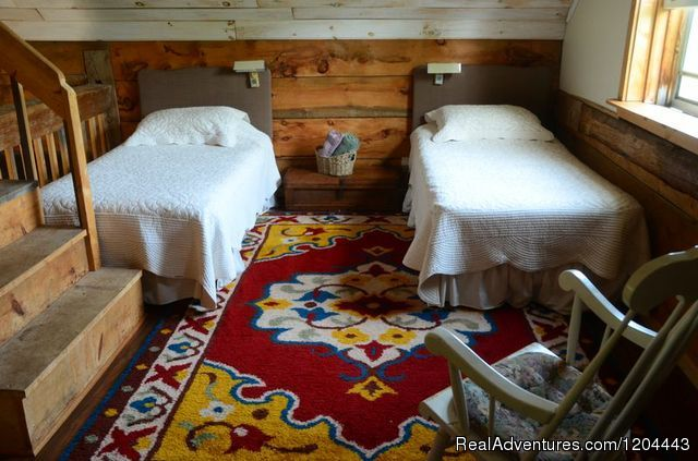 Twin beds in lower loft - Bramble Lane Farm & Cottage