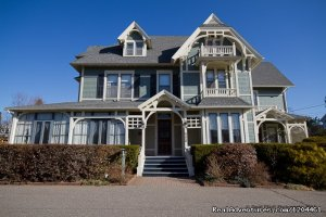 Victoria's Historic Inn and Carriage House B&B Wolfville, Nova Scotia Bed & Breakfasts