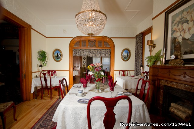 Victoria's Historic Inn Main Dining Room - Victoria's Historic Inn and Carriage House B&B