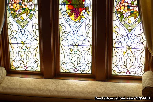 Victoria's Historic Inn - Stained glass Window - Victoria's Historic Inn and Carriage House B&B