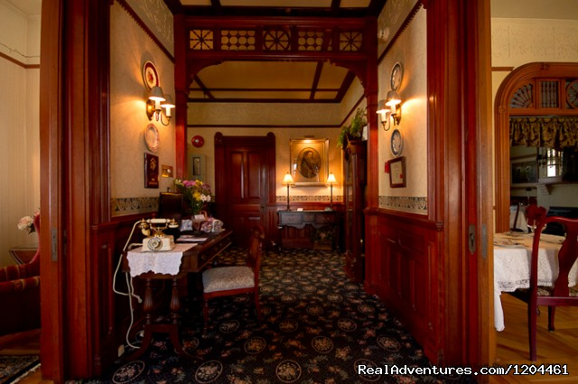 Victoria's Historic Inn, Main Lobby - Victoria's Historic Inn and Carriage House B&B