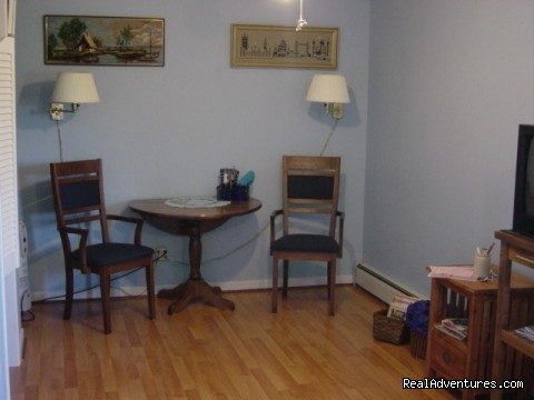 Cobequid Room - Suncatcher Bed & Breakfast
