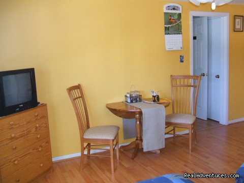 Chignecto Room - Suncatcher Bed & Breakfast