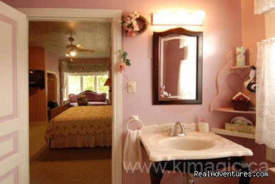 The Pink Rose Room - Maple Inn