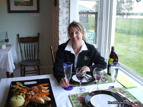 Fine dining at Jubilee - Gracious 1912 Victorian home on private waterfront