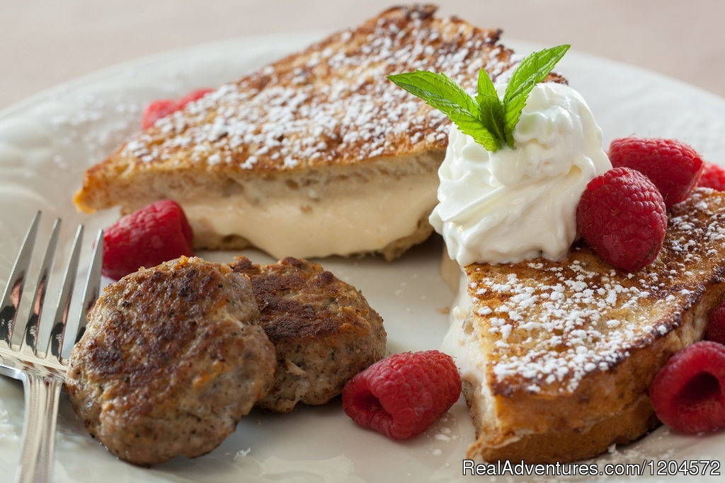 Apricot Stuffed French Toast at Afton Mountain B&B | Image #4/5 | Afton Mountain Bed & Breakfast