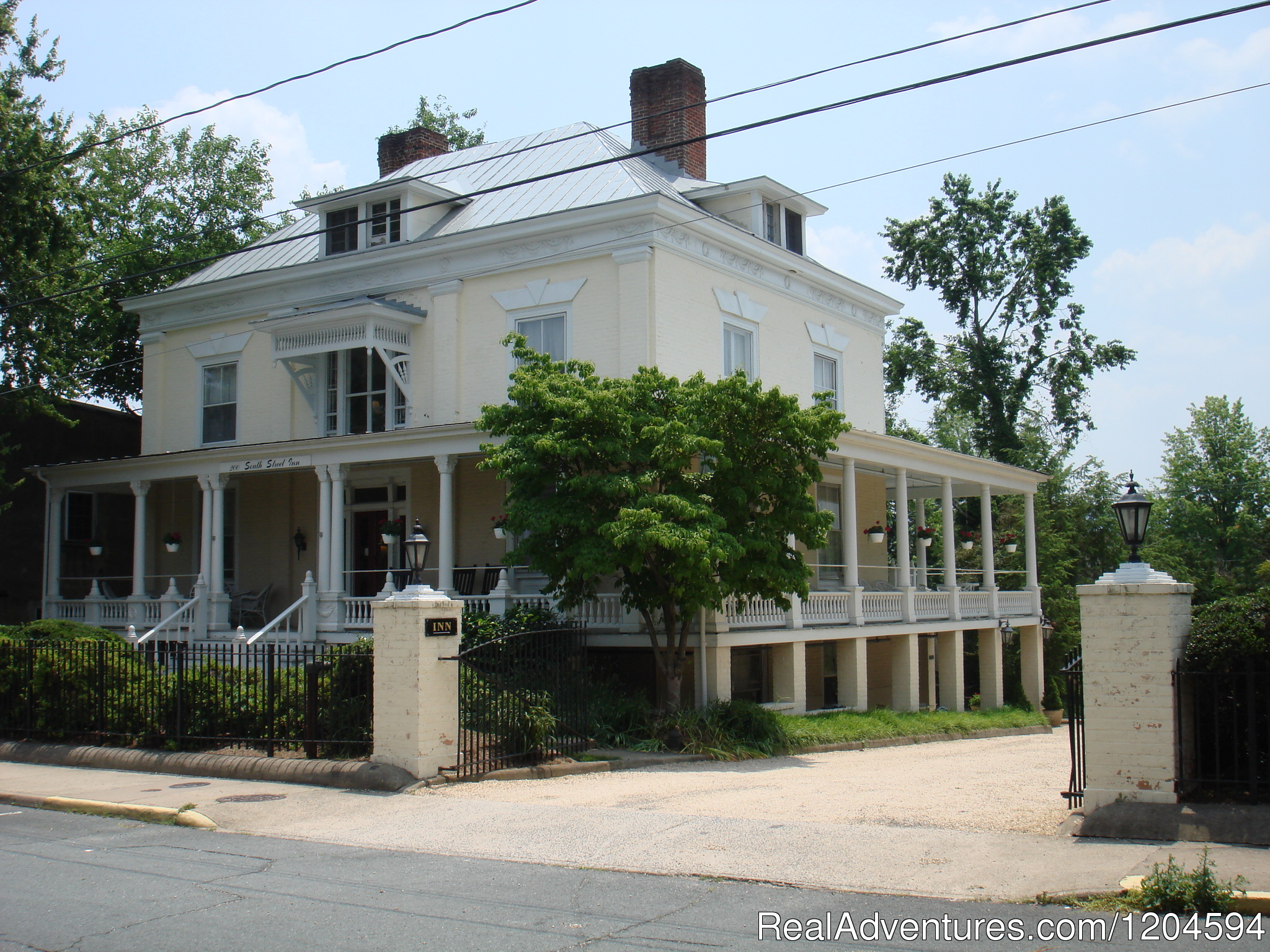 Main House | Image #1/8 | Charlottesville, Virginia  | Bed & Breakfasts | 200 South Street Inn