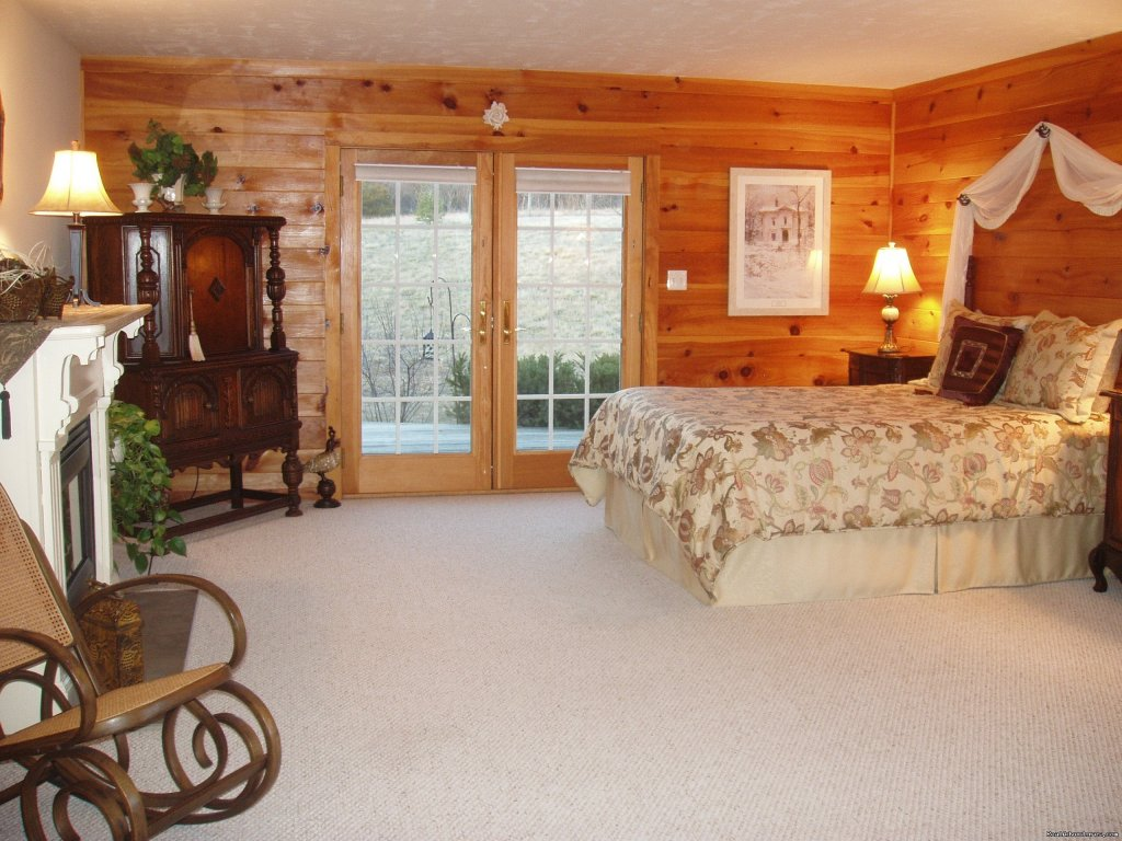 The Devon B&B Suite | Image #4/21 | Enjoy the Great Outdoors at Fox Hill B&B Suites