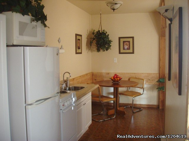 Heron's Nest Kitchen Suite | Image #10/21 | Enjoy the Great Outdoors at Fox Hill B&B Suites