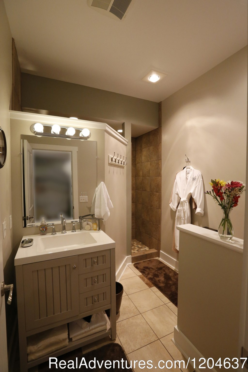 The Spring Water Cottage Suite Bathroom