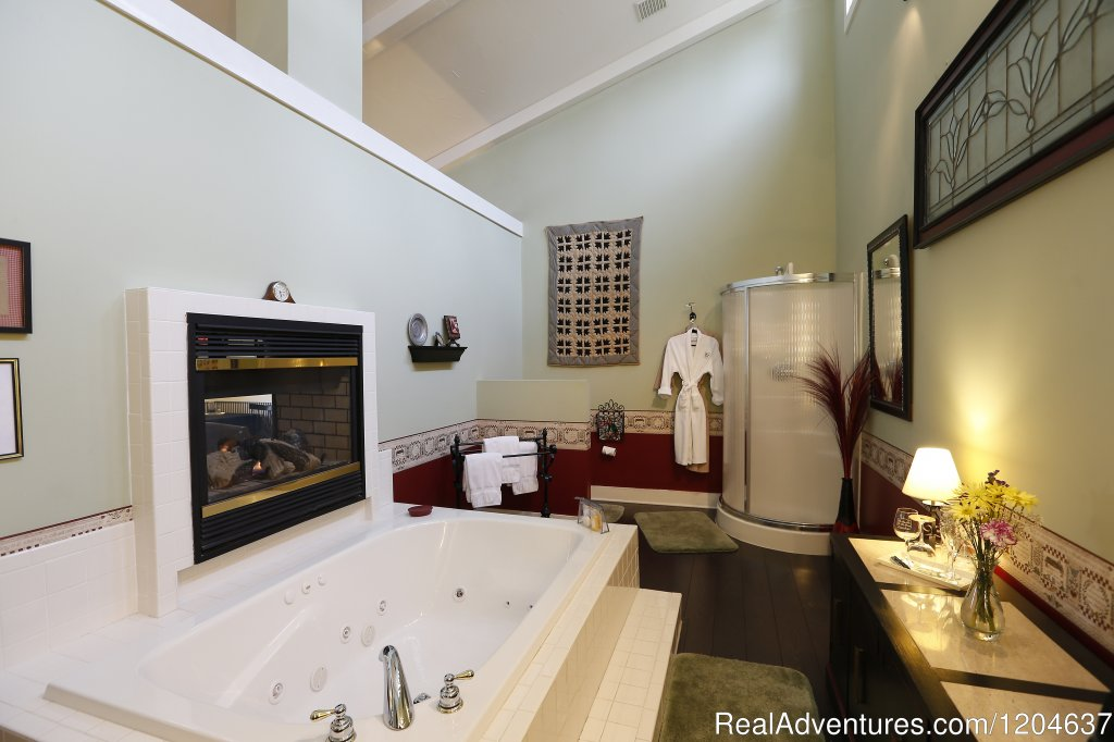 The Quill Cottage Bathroom | Image #7/7 | By the Side of the Road Getaway Lodging
