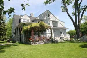 Stonewall Jackson Inn Bed & Breakfast Bed & Breakfasts Harrisonburg, Virginia