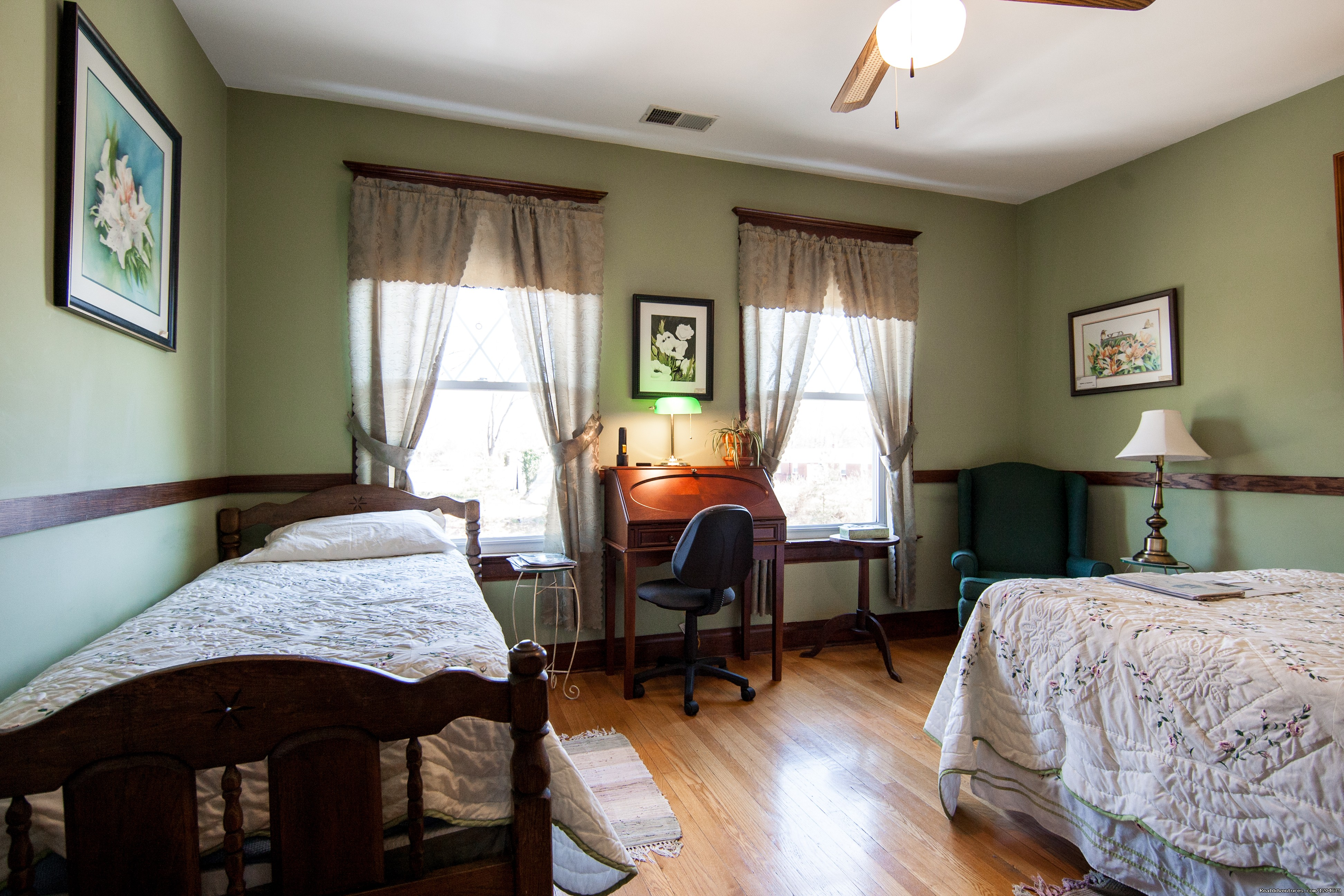 Turner Ashby Room | Image #8/15 | Stonewall Jackson Inn Bed & Breakfast