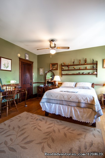 Robert E. Lee Room - Stonewall Jackson Inn Bed & Breakfast