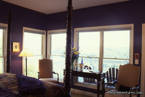 Palisades Room - Mountain Getaways at Inn at Riverbend
