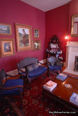 The Fensterer-Davis Suite Sitting Room - Grace Manor Inn